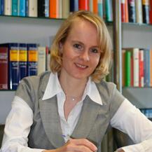 Wiebke Stüper, Rechtsanwältin
